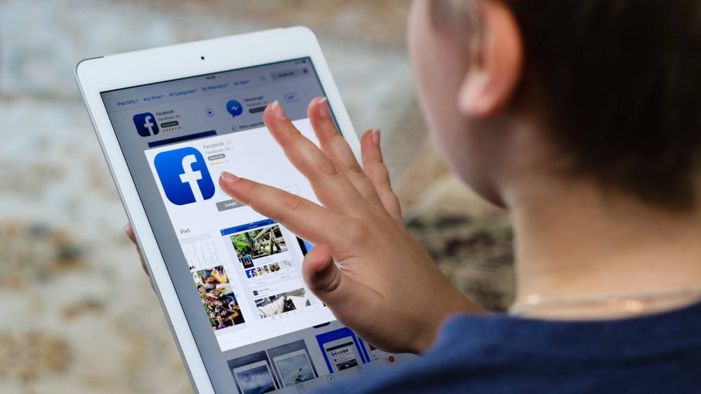 Facebook op Tablet